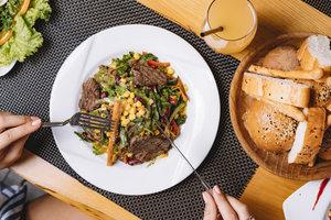 KEUKEN  - Dagschotels met vlees  | Dinsdagavond 18u30 tot 22u10 (van 01/09/20 tot 19/01/21) | Locatie Riemst