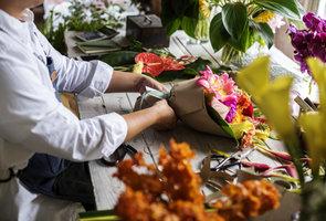 Florist : basistechnieken 2 | Woensdagnamiddag 13u30 tot 17u10 (1x/maand van 15/09/20 tot 30/06/22) | Locatie Maasmechelen